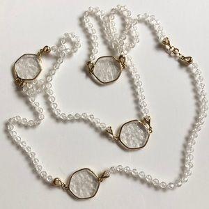VTG Gorgeous Acrylic Necklace